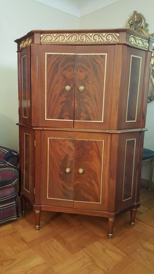 antique french tv cabinet for Sale in Clayton, MO