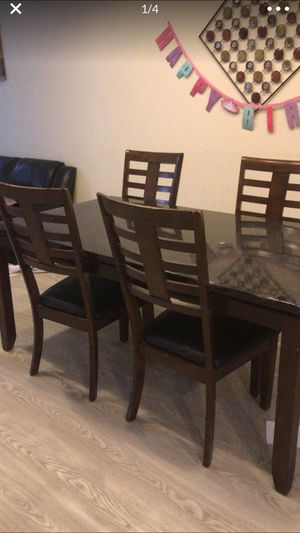Dining table with 4 chairs for Sale in Chantilly, VA