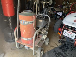 Commercial grade Hot water pressure washer for Sale in San Antonio, TX