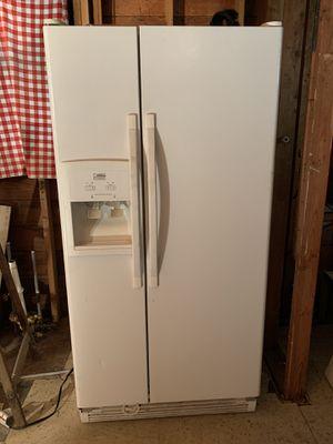 "30"" Whirlpool Refrigerator for Sale in Everett, WA"