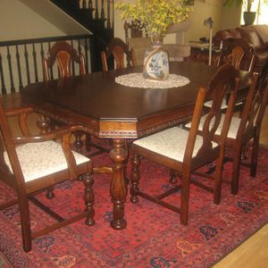Antique English Jacobian Dining Room Set 6 Chairs, Table for Sale in Chicago, IL
