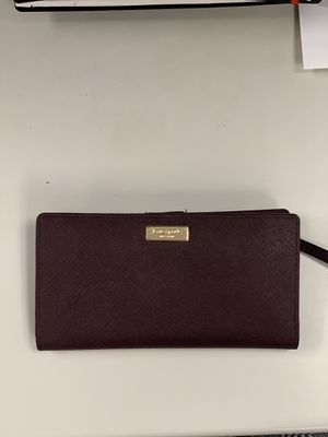 KATE SPADE WALLET - BURGUNDY for Sale in The Bronx, NY