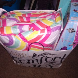 Girls Christmas Last Minute Cheap Items !!!!! Disney Scooter , Girls Bright Comforter Jojo Siwi for Sale in Columbia, TN