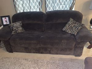 Couch set with loveseat included 4 pillows for Sale in Dickinson, TX
