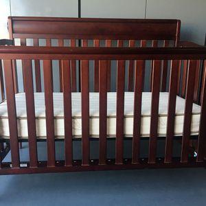 Convertible Crib With Organic Mattress for Sale in Litchfield Park, AZ