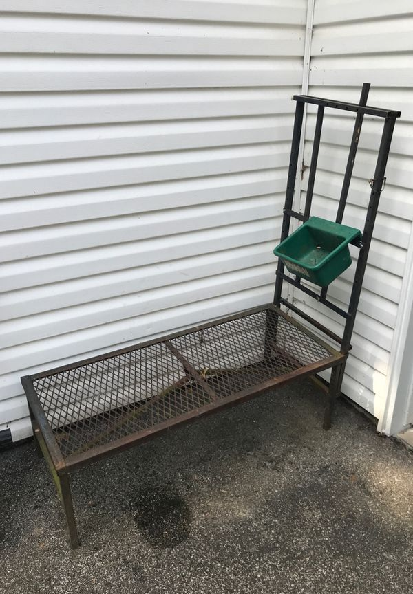 Steel milking stand for goats