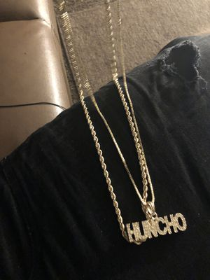 Gold huncho and rope chain for Sale in Roseville, MI