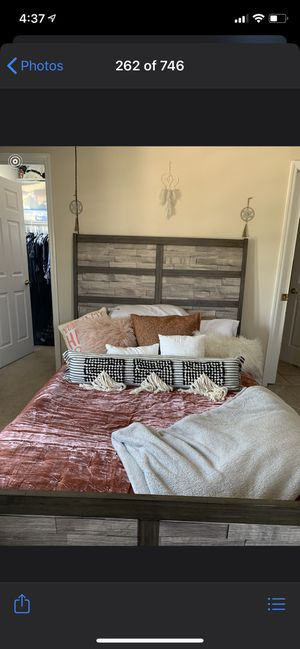 Selling these items!! All must go! ASAP! Bed is a queen! for Sale in Davenport, FL