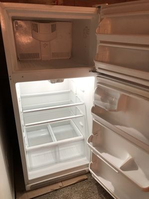 Almost new refrigerator for Sale in Pittsburgh, PA