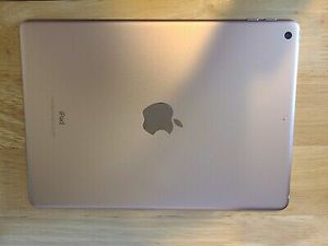 Gold Apple iPad(6th generation) for Sale in Kennesaw, GA