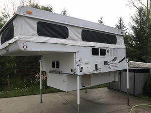 2008 camper bronco polomino , truck camper for Sale in Northville, MI