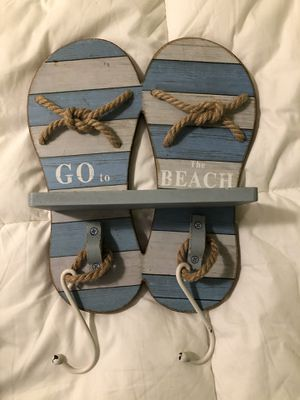 Wooden flip flop sign with hooks for Sale in WA, US