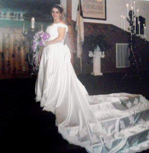 Wedding dress like new for Sale in Rogersville, TN
