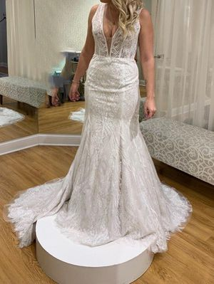 Designer wedding dress - never worn/altered for Sale in Lake in the Hills, IL