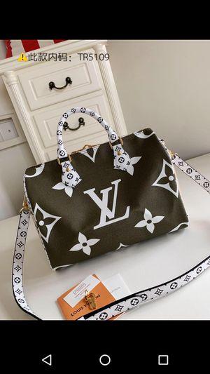 Beautiful LV purse for Sale in Saint Joseph, MO