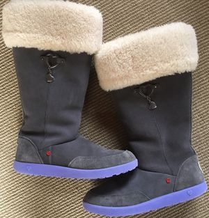 Ugg Tall Boots Girls Size 5 / Women's Size 6.5-7 for Sale in Ashburn, VA