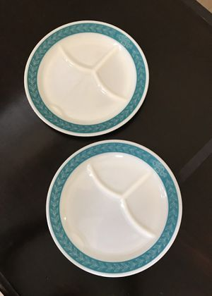 Two beautiful Pyrex grill plates. Vintage. Turquoise with leaves and flowers. for Sale in Boca Raton, FL
