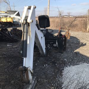 Skid steer backhoe attachment bobcat 811 for Sale in Chicago, IL