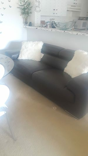 Gray Learher Couch for Sale in Hialeah, FL