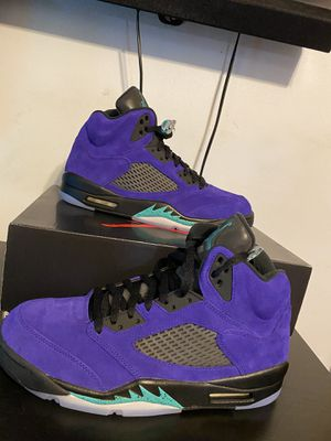Nike Jordan 5 alternate grape for Sale in Independence, OH