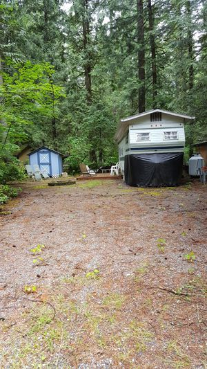 This 35' Nuwa rv w/roof, deck and shed for Sale in Gold Bar, WA