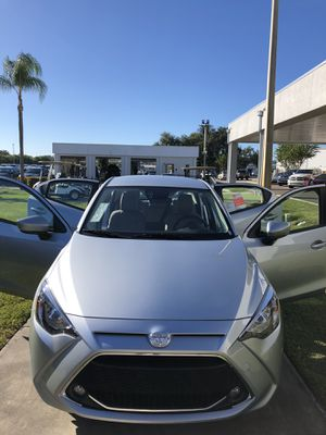 Toyota 2019 Yaris L o miles Toyota safety SenSe for Sale in Wesley Chapel, FL