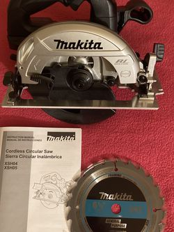 """Makita. 18V LXT Sub-Compact Brushless 6-1/2"""" Circular Saw (Tool Only). XSH04Z. for Sale in Brooklyn,  NY"""