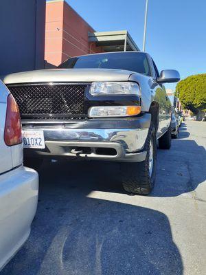 Chevy Silverado 2001 salvaje 175×××××miles for Sale in San Francisco, CA