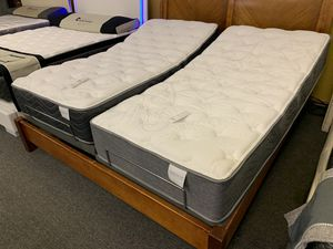 King size split adjustable bed with mattress free delivery for Sale in Arlington, TX