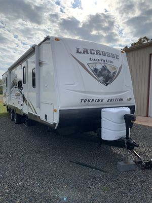 2012 Lacrosse Luxury Lite Touring Edition Travel Trailer for Sale in Waterford, NJ