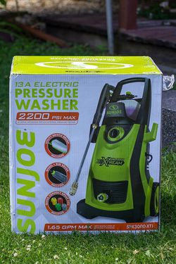 Sun Joe 2200 Max PSI 1.65 GPM 13 Amp Cold Water Electric Pressure Washer SPX3000-XT for Sale in Renton,  WA