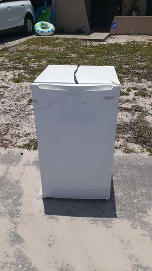 Magic Chef mini fridge with freezer for Sale in New Port Richey, FL