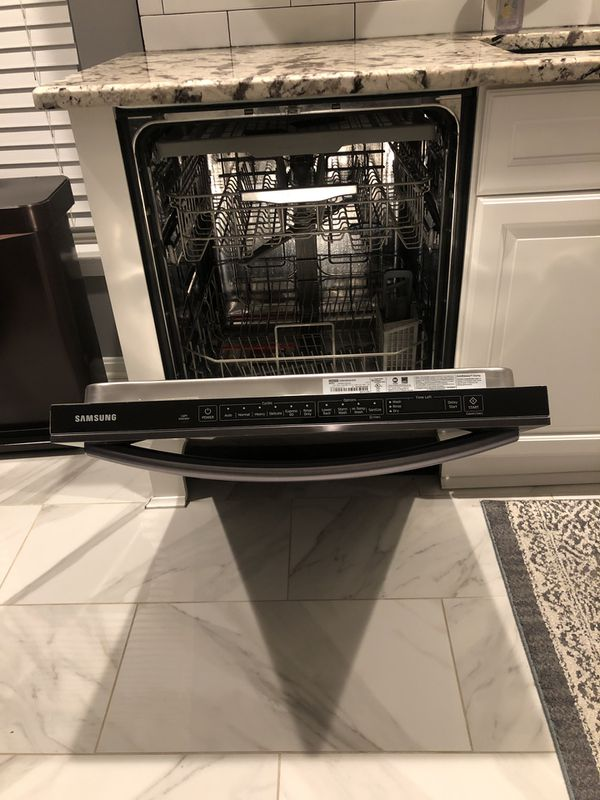 Like NEW - Samsung Energy Star Built-In Dish washer