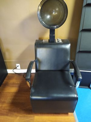 High end salon furniture - hydraulic chair for Sale in Buffalo, NY