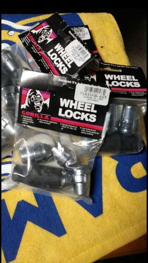 BRAND NEW GORILLA WHEEL LOCKS for Sale in Ontario, CA