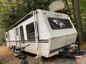Yellowstone camper for Sale in Barkhamsted, CT