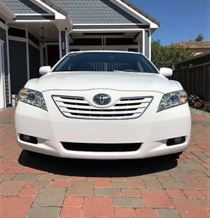 Great 2OO8 Toyota Camry XLE AWDWheels for Sale in Miami, FL