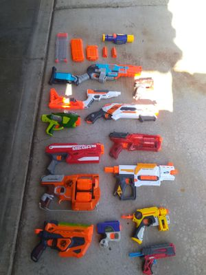 16 Nerf guns and accessories for Sale in Las Vegas, NV