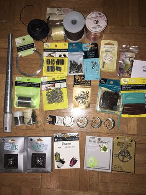 Jewelry making tools and supplies for Sale in Clermont, FL
