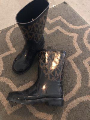 Michael kors rain boots girls 1 like new for Sale in Las Vegas, NV