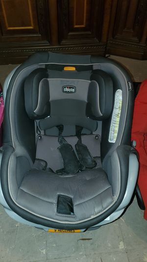 Chicco car seat 9 reclines for Sale in DeBary, FL