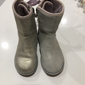 Girls UGG boots-size 10 for Sale in Hollywood, FL
