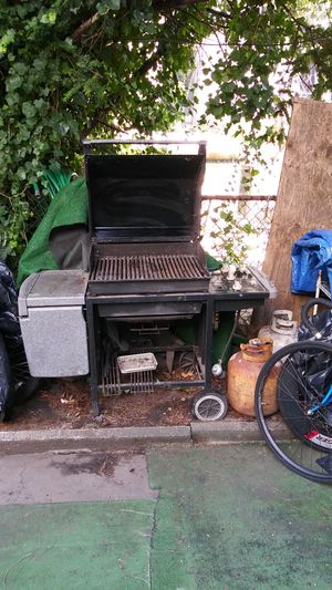 Weber outdoor grill for Sale in Brooklyn, NY
