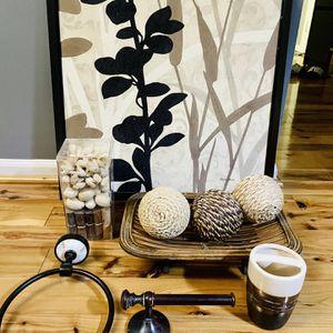 Bathroom accessories and Decor Set for Sale in Alexandria, VA