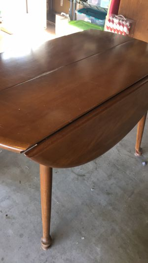 Solid maple dining room table for Sale in Lemon Grove, CA