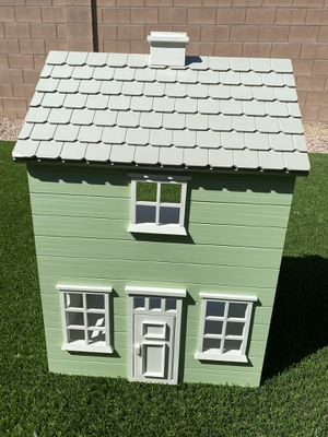 Pottery Barn Wooden Dollhouse for Sale in Laveen Village, AZ