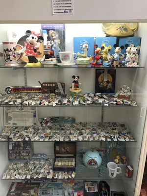 Disney Pins and Collectibles for Sale in Santa Ana, CA