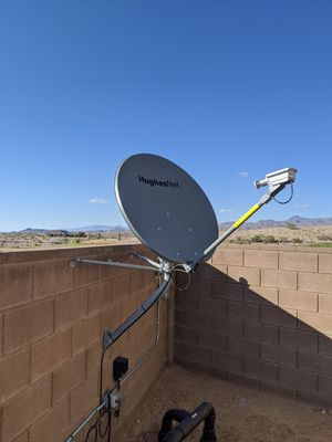 Hughes Net satellite and modem for Sale in Los Angeles, CA