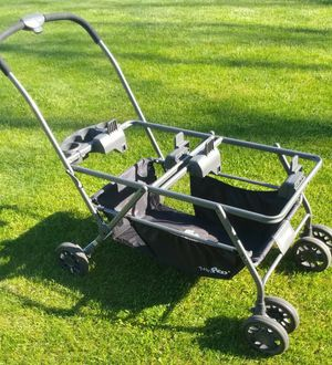 Joovy Twin Roo+ Car Seat Stroller! for Sale in Allegan, MI
