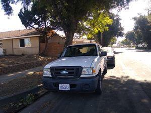Ford Ranger 2008 standar título salvage en perfecto estado for Sale in Pomona, CA